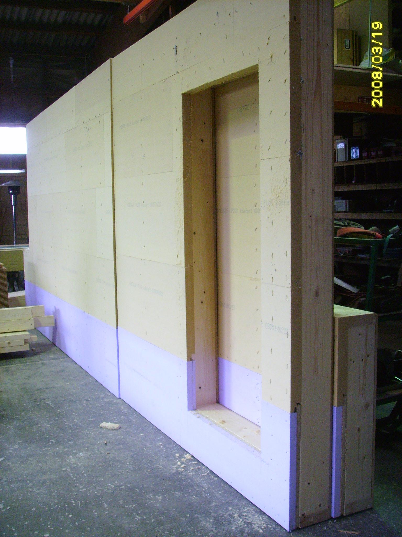 10 kw haus in der fertigung holzhaus fertighaus holzbau anbau umbau passivhaus. Black Bedroom Furniture Sets. Home Design Ideas